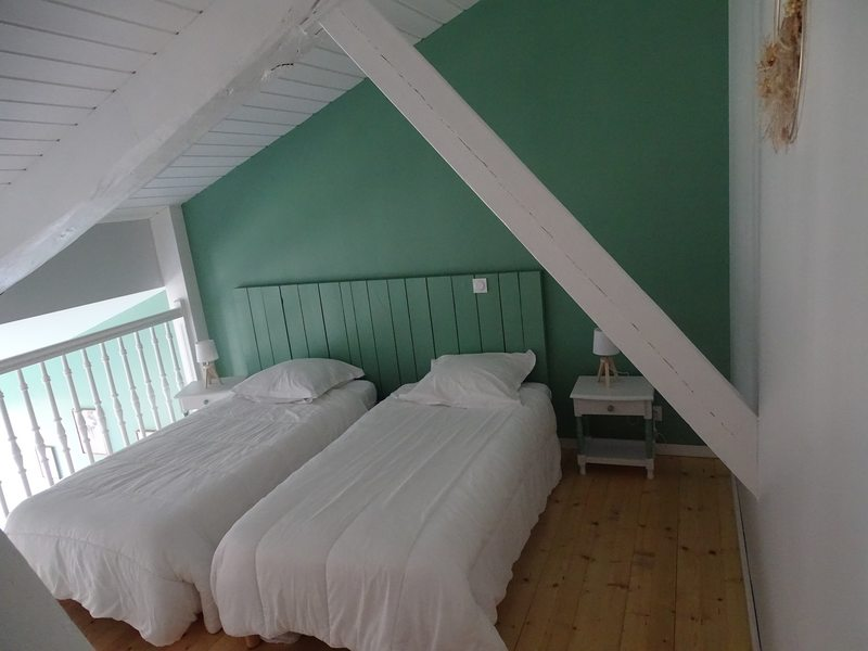 Chambre lits simples mezzanine
