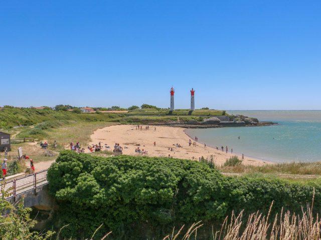 rochefort-ocean-ile-aix-plage-anse-croix-pharejulie-paulet-aspect-ratio-600-450